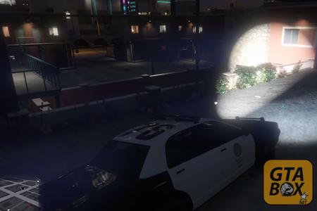 Майкл в полицейской машине