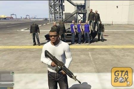 Франллин с NPC на аэродроме