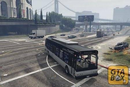 Франклин управляет автобусом