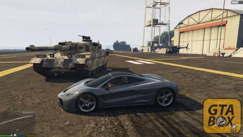 Тревор на спорткаре из GTA 5 Online