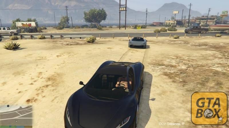 Два спорткара в пустыне