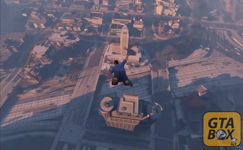 Майкл летит высоко над городом