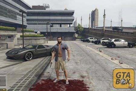Майкл около полицейского участка