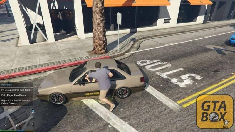 Взлом автомобиля у всех навиду