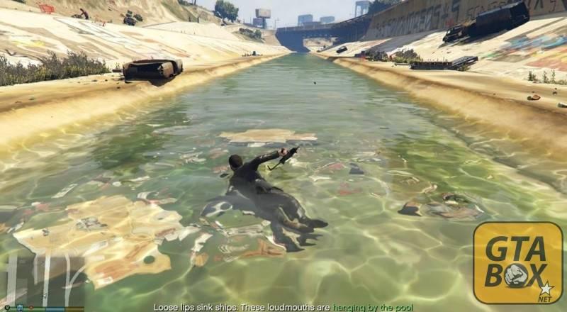 Пьяный Майкл в воде